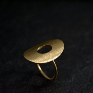 Ring i sølv, Oxyderet, forgyldt og guld
