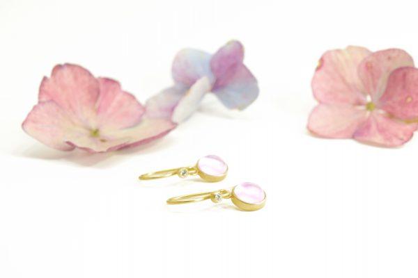 øreringe med rosakvarts