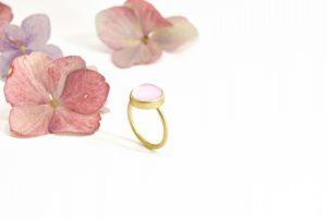 ring med rosakvarts