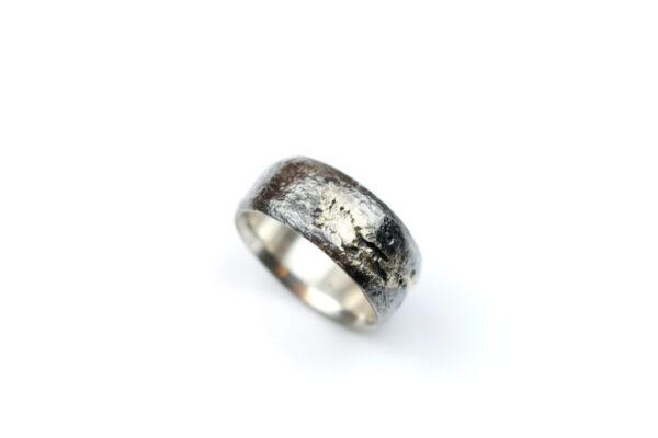 Sølvring med Diamanter og 14 Karat Guld