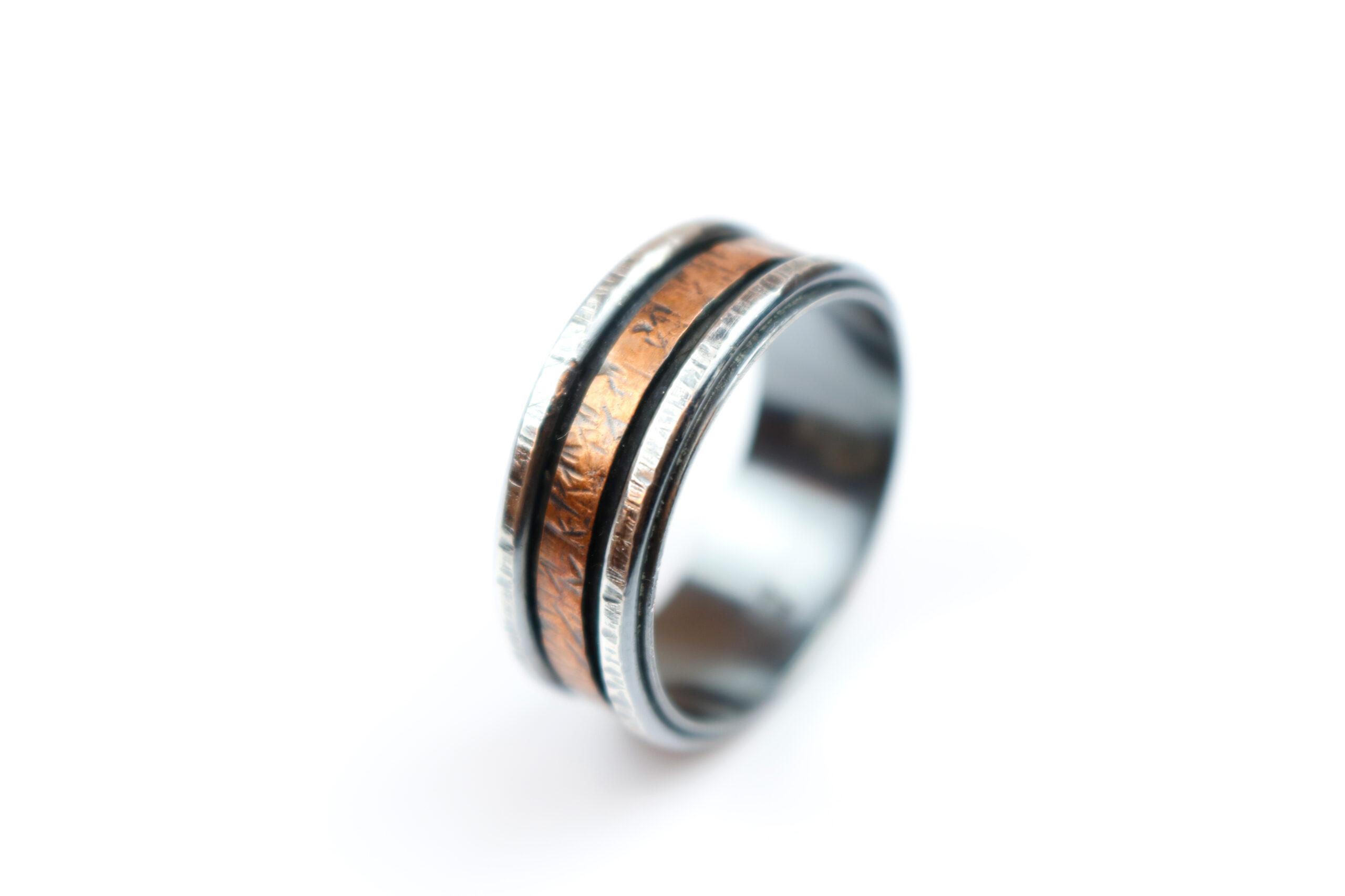 Sølvring med kobberbånd